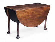 GEORGE III MAHOGANY DROP LEAF TABLE 18TH CENTURY 105cm wide, 69.5cm high