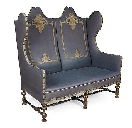 WILLIAM & MARY STYLE SETTEE EARLY 20TH CENTURY 139cm wide, 134cm high, 60cm deep