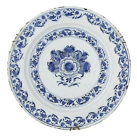 GROUP OF THREE DELFT BLUE AND WHITE DISHES 18TH/ 19TH CENTURY