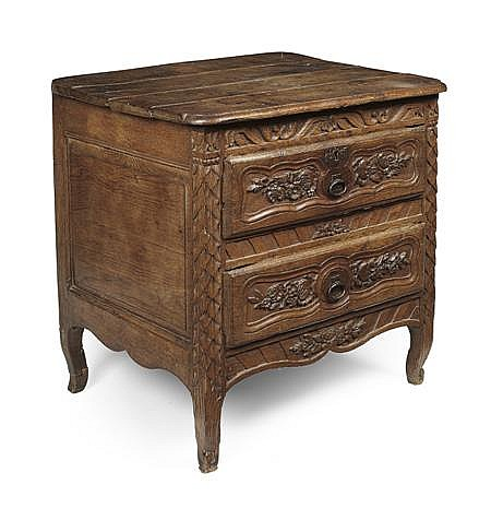 FRENCH PROVINCIAL CHESTNUT SMALL COMMODE EARLY 18TH CENTURY 71cm wide, 69cm high, 59cm deep
