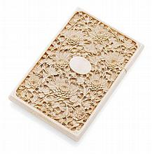CANTON CARVED IVORY CARD CASE 19TH CENTURY 7.5cm wide, 11cm high