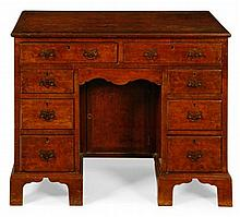GEORGIAN STYLE WALNUT KNEE HOLE DESK 92cm wide, 76cm high, 54cm deep
