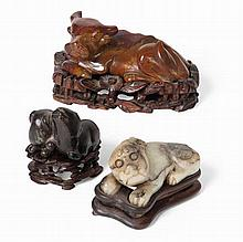 CHINESE JADE CARVING OF PUPPIES MING-STYLE