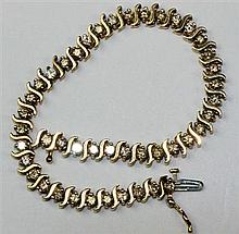 A diamond set bracelet Length: 18cm