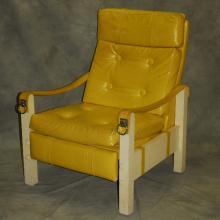 Mid-Century Modern reclining chair. H: 39