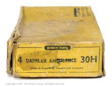 Dinky No.30h Daimler Ambulance Trade Box