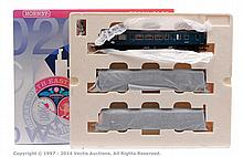 Hornby (China) OO Gauge 3 Car DMU Set R2579A DMU