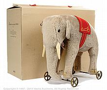 Steiff Elephant on Wheels 1903/04 replica, white