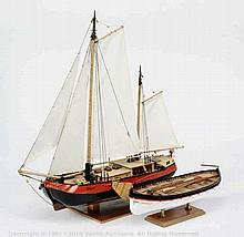 PAIR inc Wooden model Boat - SS Titanic Lifeboat