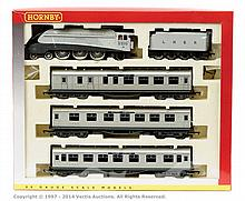 Hornby (China) OO Gauge Silver Jubilee Set R2445