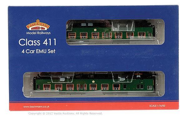Bachmann OO Gauge 4-car DMU Set Class 411 7105
