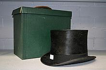 English Dunn & Co top hat with fitted box