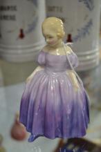 Royal Doulton 'Marie' HN 1370 porcelain figure, approx 12cm H