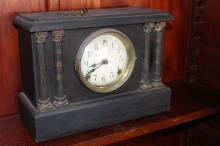 Antique shelf clock, approx 26cm H x 34cm W x 13cm D