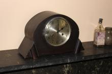 Art Deco mantel clock, approx 23cm H