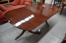 Regency twin pedestal mahogany dining table with one extension leaf extension, approx 208 cm L x 107 cm D