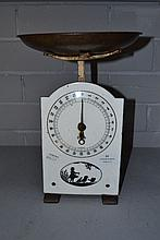 German enamelled face 25LB scales with chickens