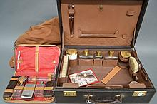 Vintage French travelling vanity case in leather