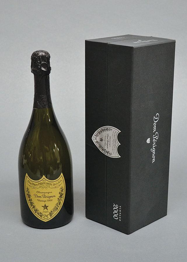 Dom Perignon 2000 on presentatopn box