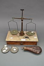 Small French Weighing machine with two taste de
