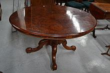Victorian figured walnut breakfast table