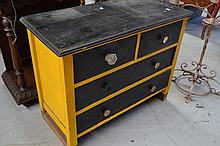 Depressing painted chest of drawers, approx 89cm W
