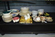 Collection of porcelain to include cups, saucers, plates etc