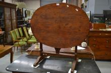 Antique French vignerons table of oval shape