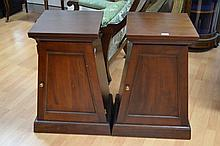 Pair of bedside cabinets, approx 78cm H (2)
