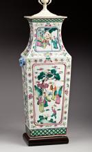 A LARGE CHINESE FAMILLE VERTE PORCELAIN LAMP BASE