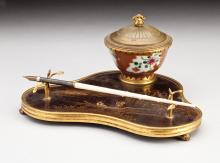 19TH CENTURY JAPONNAISE BROWN LACQUER STANDISH
