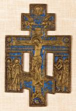 A RUSSIAN ORTHODOX ENAMELLED CRUCIFIX