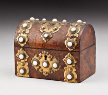 19TH CENTURY BURR WALNUT/BRASS BOUND SCENT CASKET