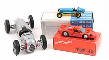 4 die-cast model kits. A made up 1:24 scale 'Reviv