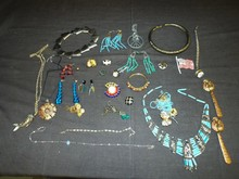 Costume Jewelry Lot. 28 Pieces.