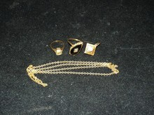 Group of 14 kt Yellow Gold Vintage Jewelry.