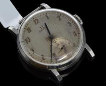Gentlemen's Omega wristwatch, circular silver coloured dial, outer minute track, subsidiary dial at six o'clock, stainless steel case diameter approximately 32mm, circa 1932