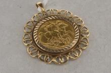 Edward VII full sovereign, 1907, in a 9ct yellow gold pendant mount, gross weight approximately 12.5 grams