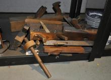A quantity of carpenters moulding and block planes (8)