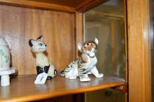 Wade Walt Disney blow-up figure of Am, the Siamese cat from Aristocats; Russian porcelain tiger cub figure (2)