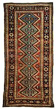 Shiraz area rug, 3' 8