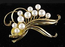 14kt Yellow Gold 13.10gms Mikimoto Pearl Brooch W7511