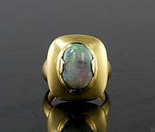 18kt Yellow Gold 3.86ct Opal Ring W3190
