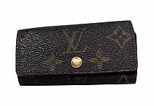 Louis Vuitton Leather 4 Key Holder W152