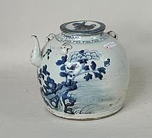 Large Chinese Blue/White Ceramic Teapot/Cover