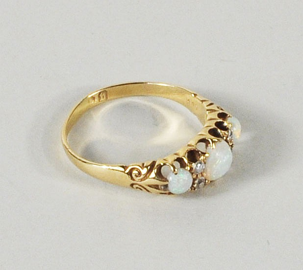 Vintage English 18K Opal & Diamond Ring