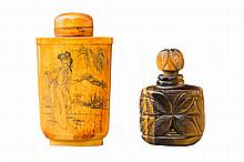 GROUP OF TWO SNUFFBOTTLES