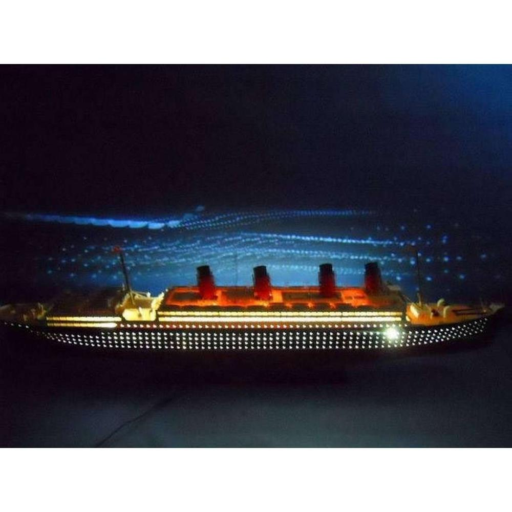 RMS Mauretania Limited 50in. w/ LED Lights Model Cruise Ship