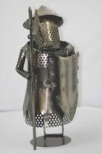 COLLECTORS EDITION MEDIEVAL STYLE GUARD WINE HOLDER