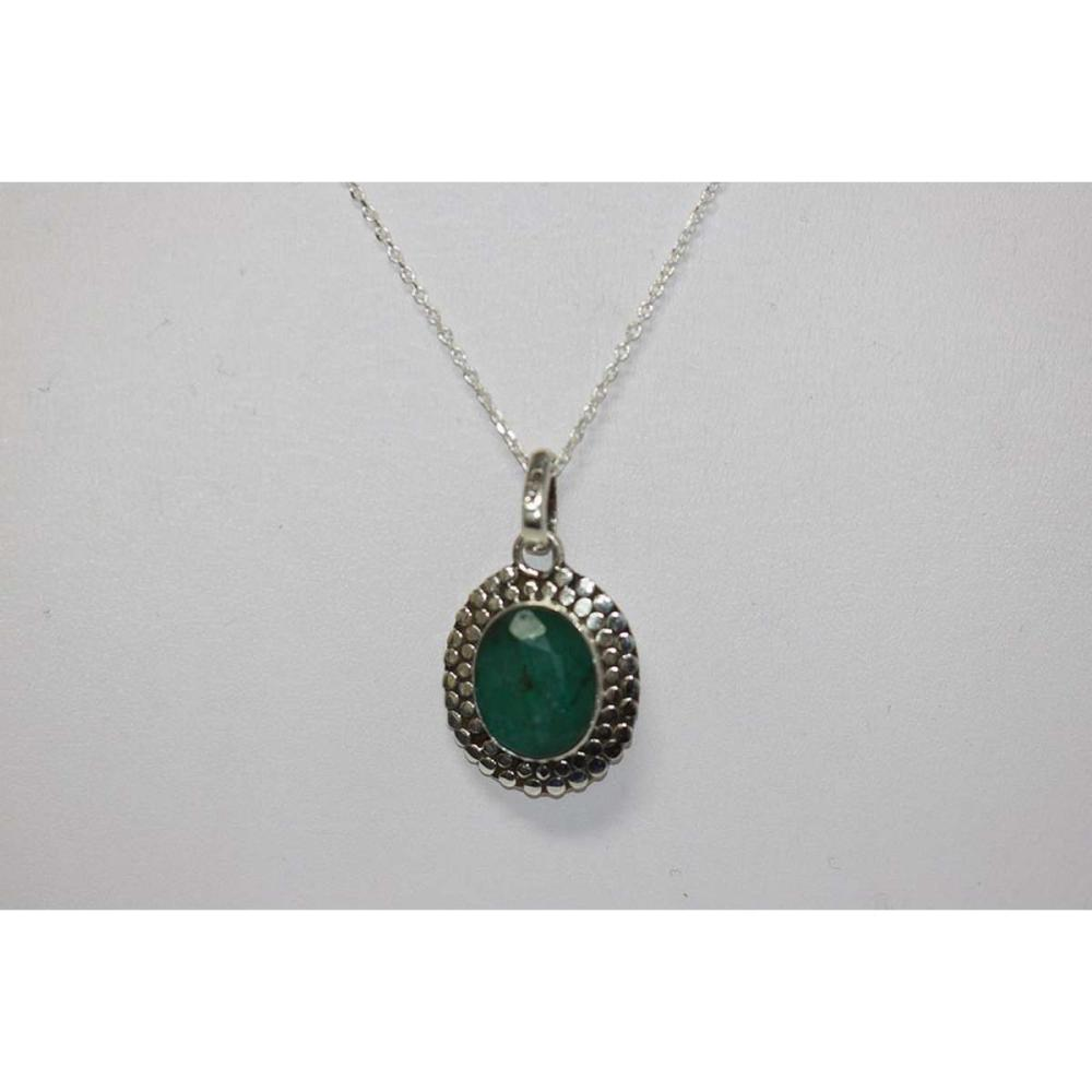BEAUTIFUL SILVER PENDANT WITH GREEN EMERALD STONE CTW 4